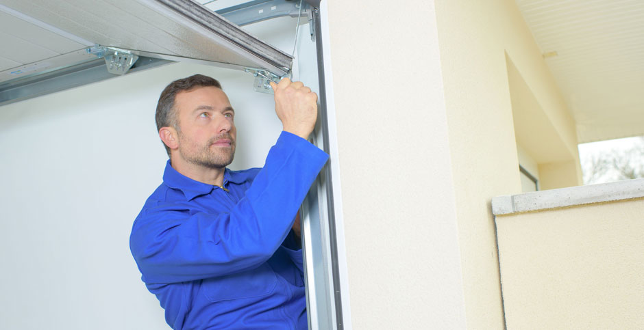 Garage Door technician In Queens New York