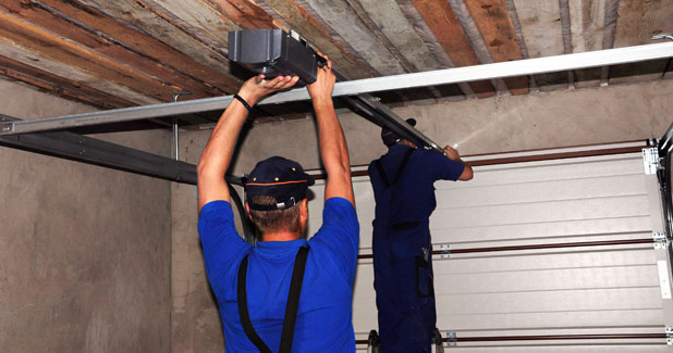 Garage Door Spring Repair technician Syracuse NY
